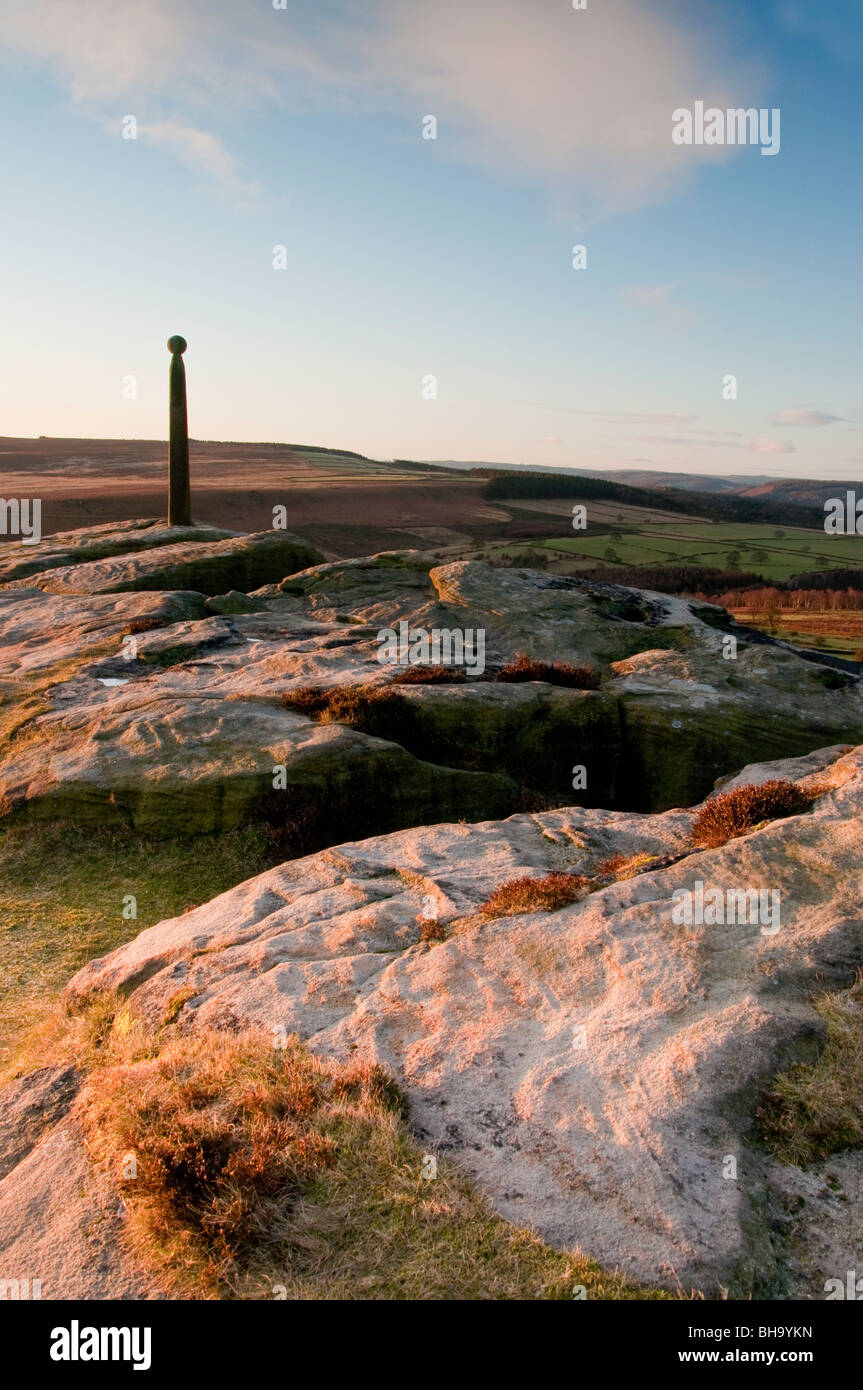 A winters morning on Birchen Edge with Nelsons Monument standing on the rocky edge Stock Photo