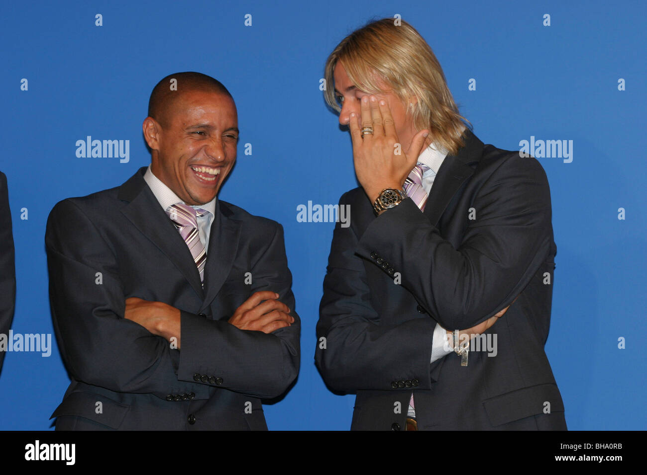 Roberto Carlos (left) and Jose Maria Gutierrez, football players with Real Madrid. In Tokyo, Japan. - Stock Image