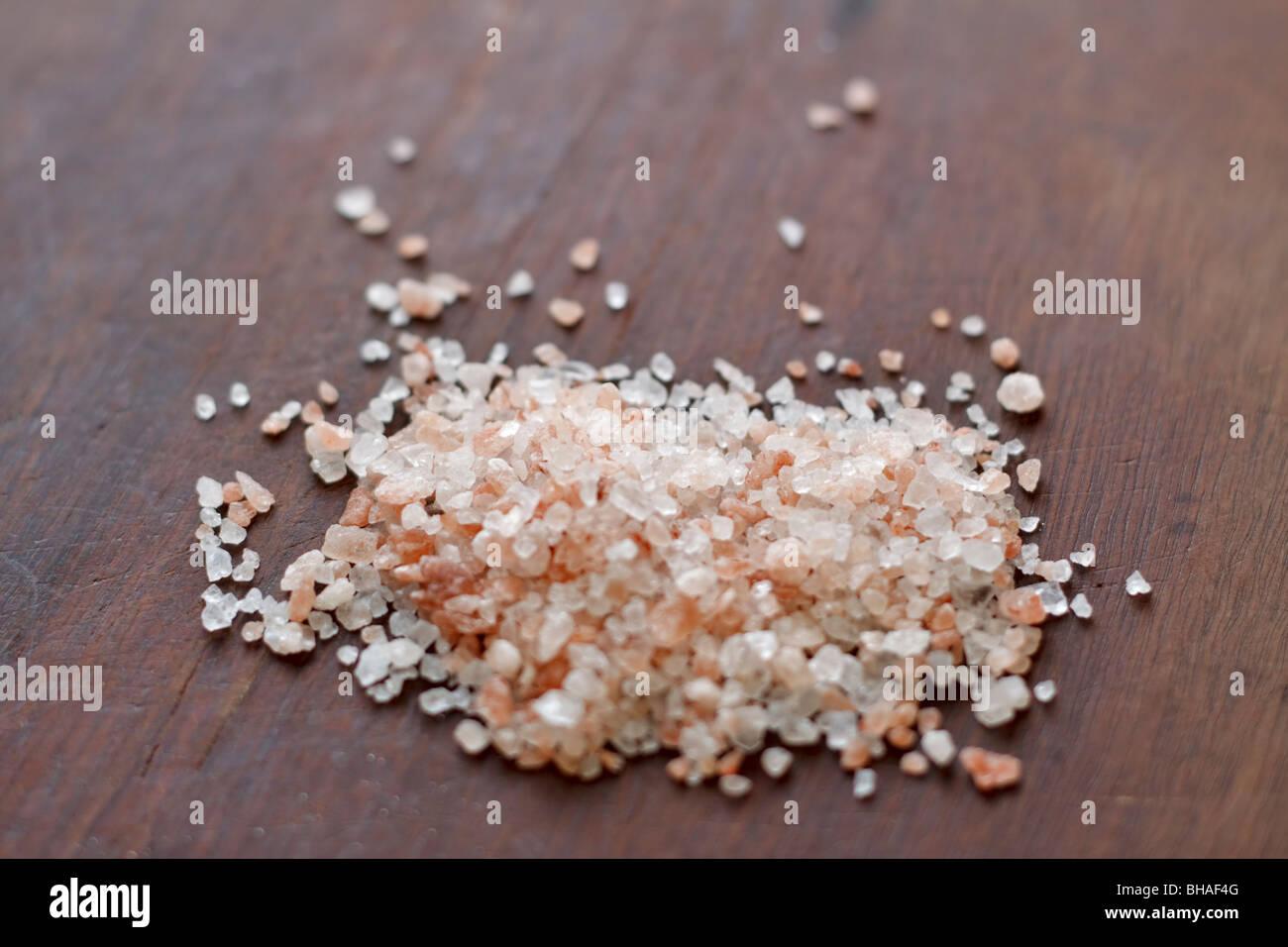 Pink Himalayan rock salt - Stock Image