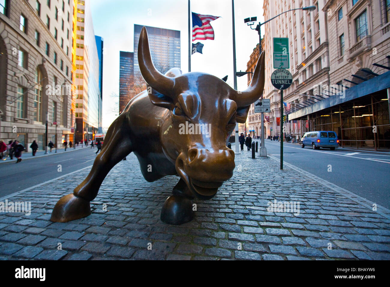 Wall Street Bull In Downtown Manhattan Nyc Stock Photo 27900914