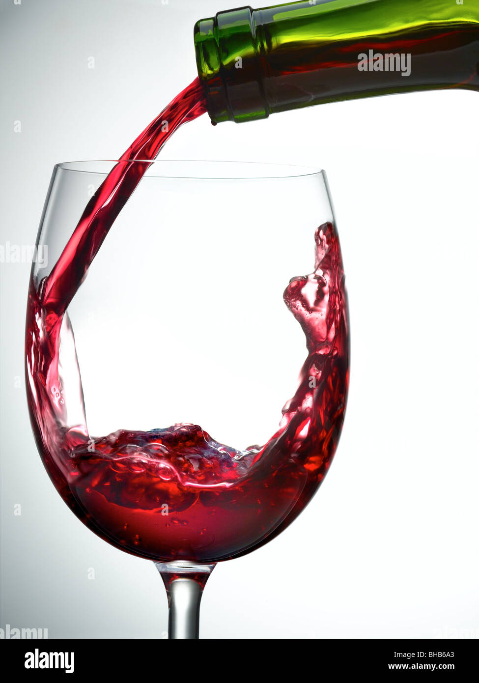 red wine pour - Stock Image