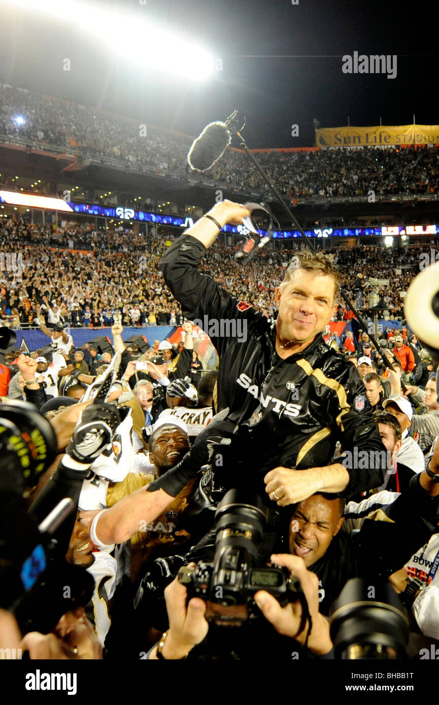 Head coach Sean Payton of the New Orleans Saints celebrates and gets carried off the field - Stock Image