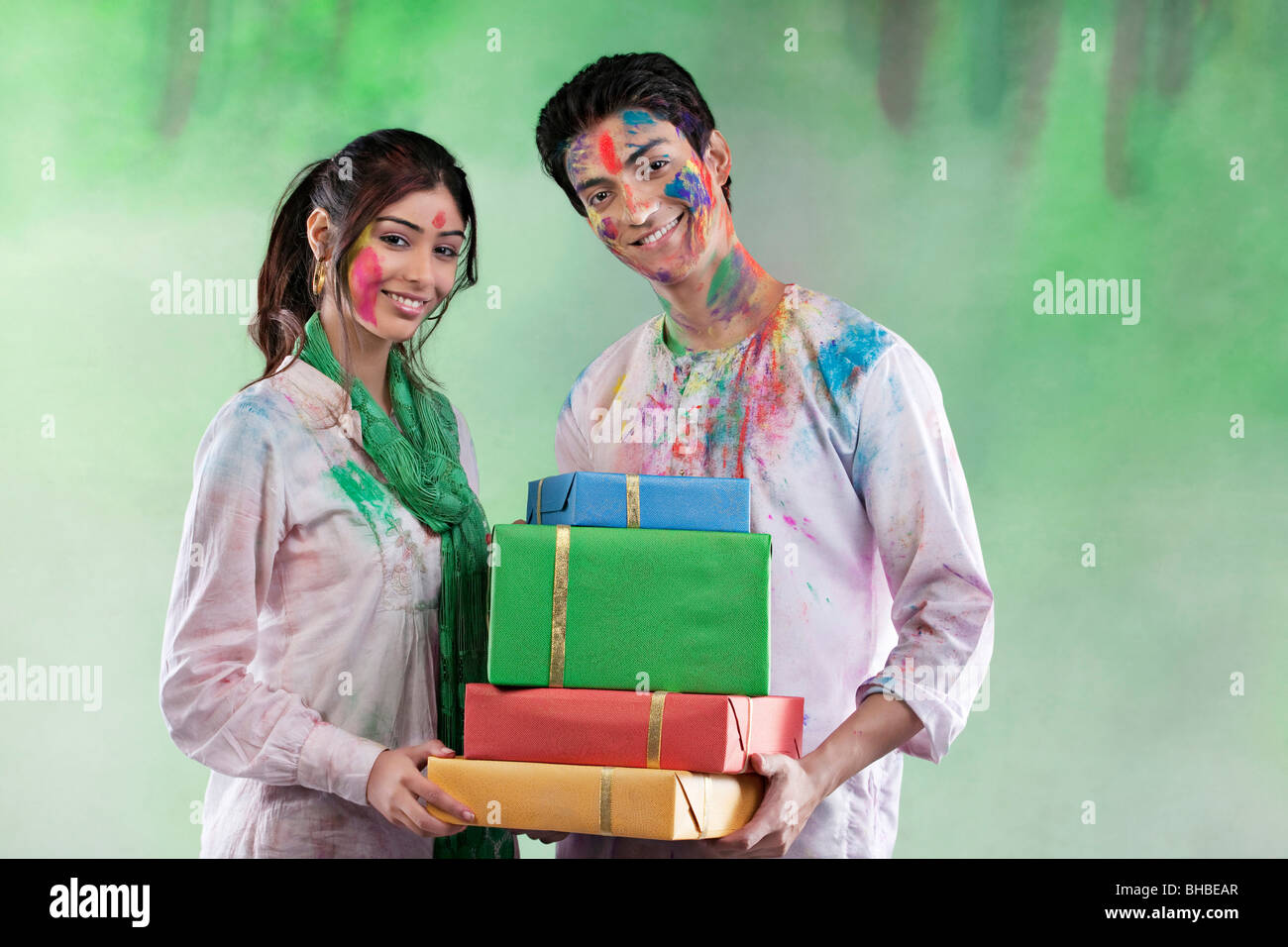 Couple with gifts - Stock Image
