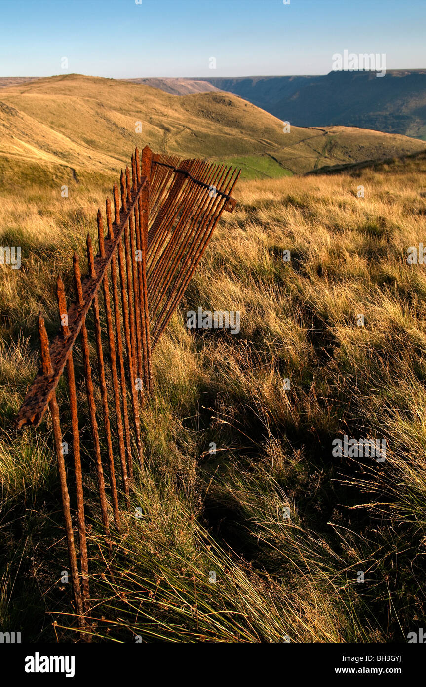 Old rusted railings around the monument at Pots 'n' Pans, Greenfield Saddleworth - Stock Image