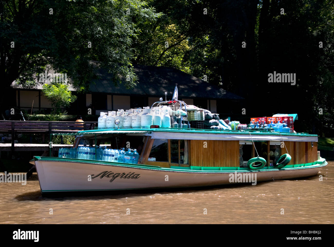 El Tigre Argentina Delta River Island Islands 17 miles north of Buenos Aires bumboat trader grocer grocery - Stock Image