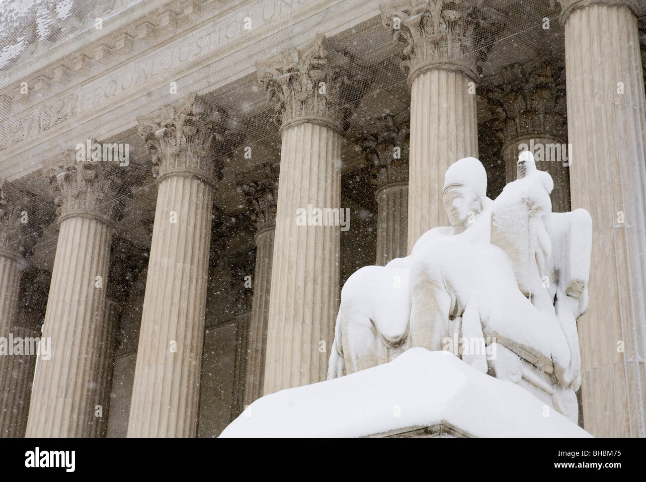 Snow scenes of the United States Supreme Court building. - Stock Image