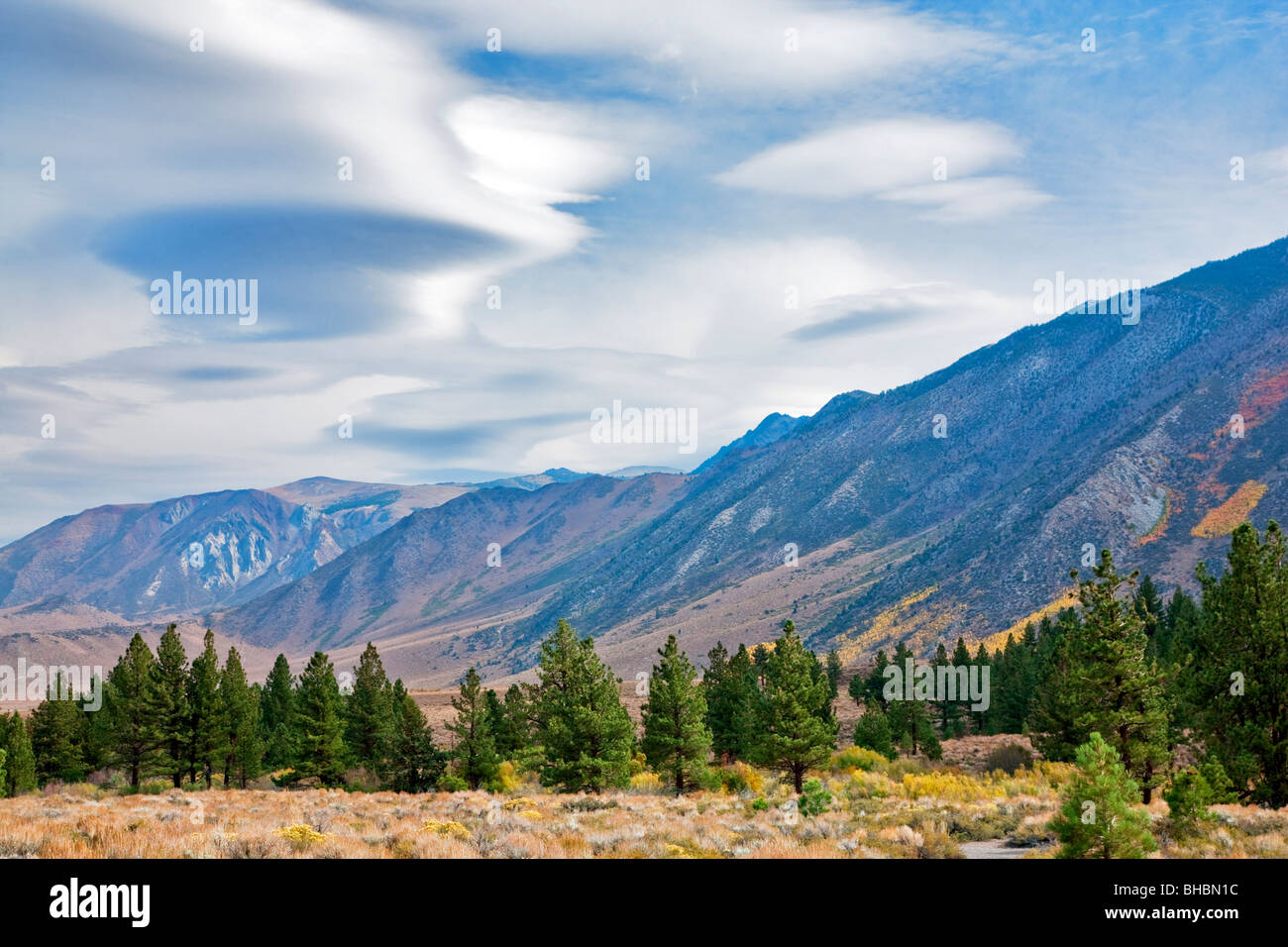 Lenticular clouds above the Eastern Sierra Mountains, California - Stock Image
