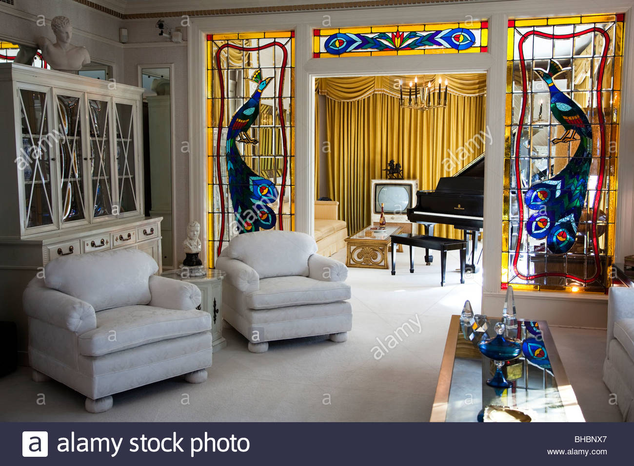 Aaron America coffee table Elvis Presley famous Graceland icon interior King of Rock & Roll legend living room - Stock Image