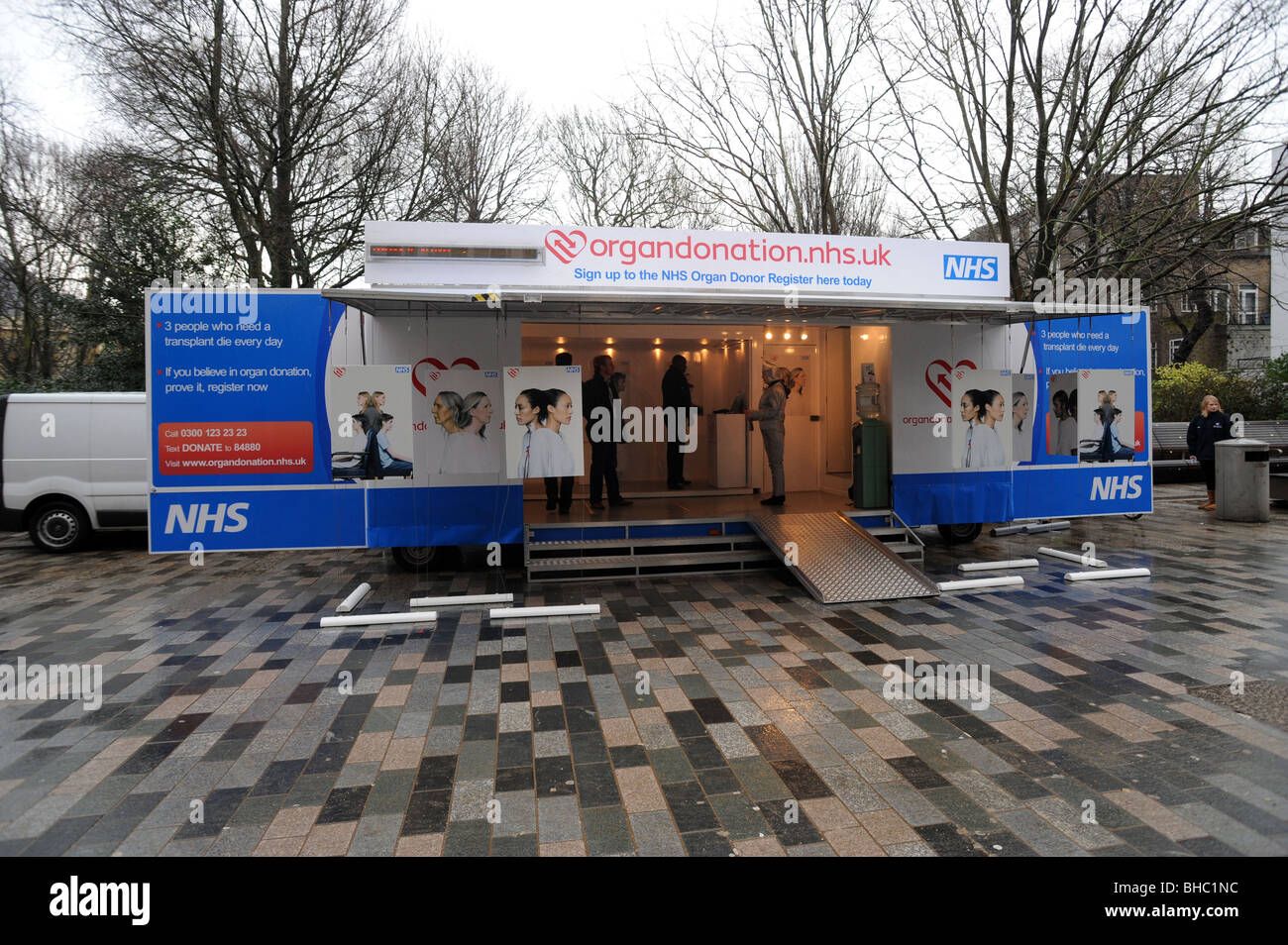 Organ donation roadshow in the centre of brighton to encourage people to sign up to donate organs - Stock Image