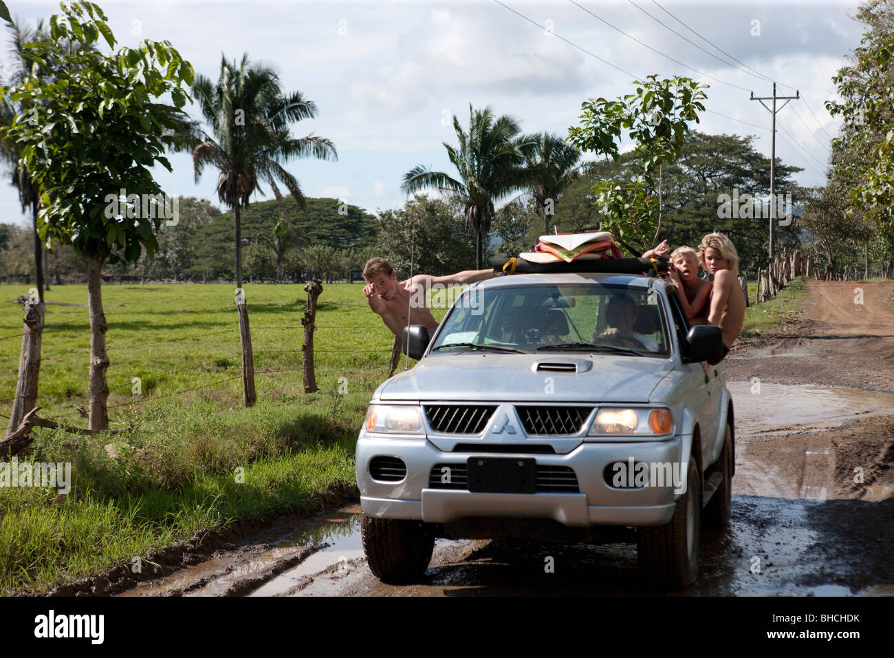 Driving along an unpaved road in Costa Rica - Stock Image