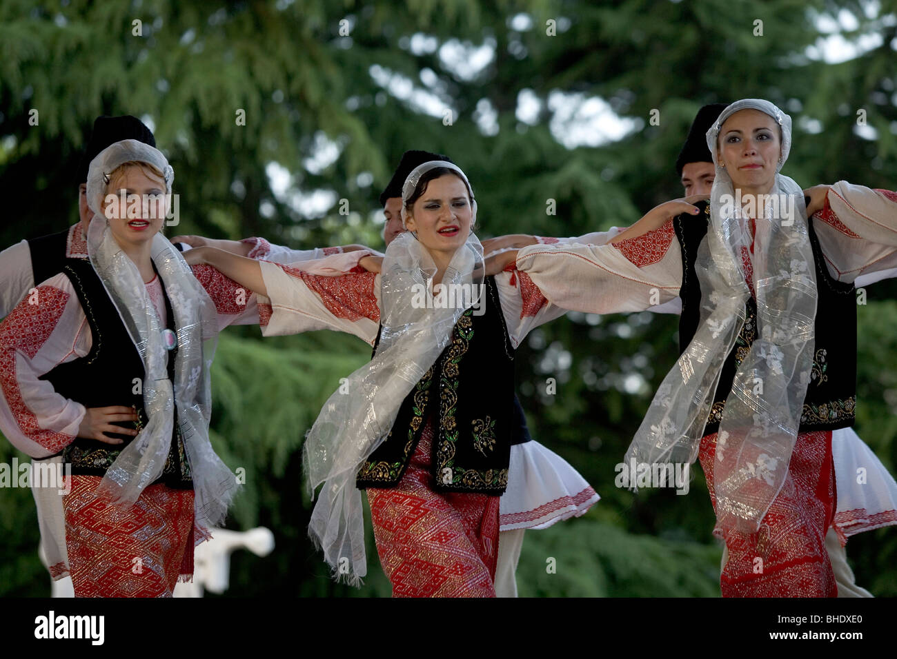 Costume Folklorique romania,folklore costumes,traditional clothing,international