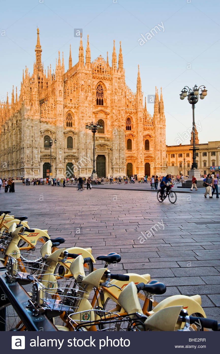piazza del duomo, bikesharing, milan, lombardy, italy - Stock Image