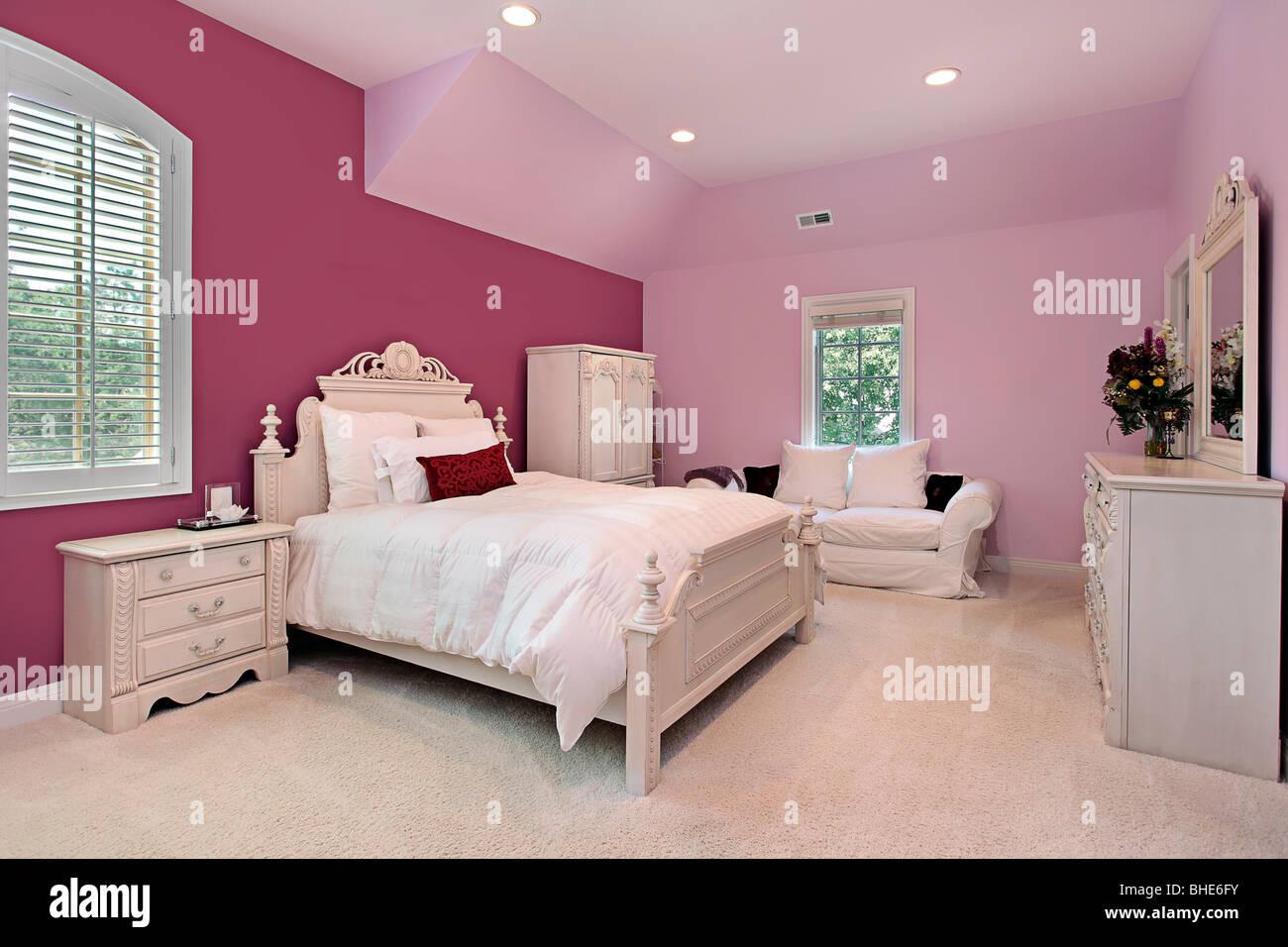 Girl S Pink Bedroom In Luxury Suburban Home Stock Photo Alamy