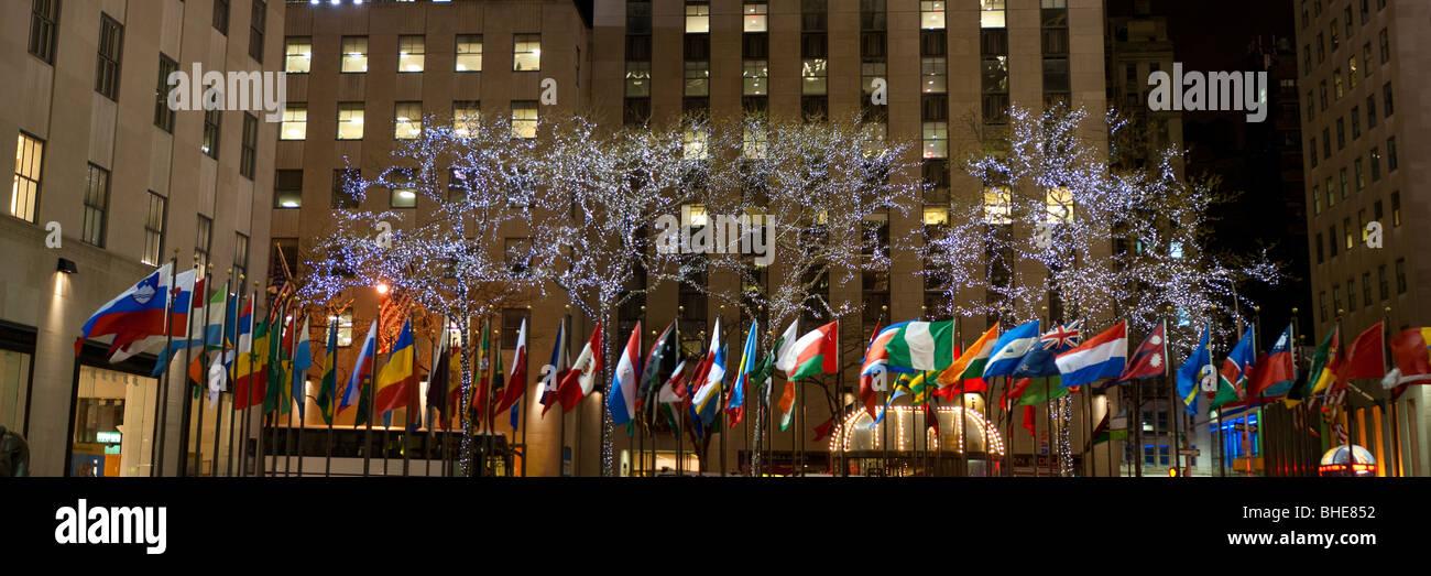Rockefeller Center, New York City, night, 30 rock, christmas Stock ...