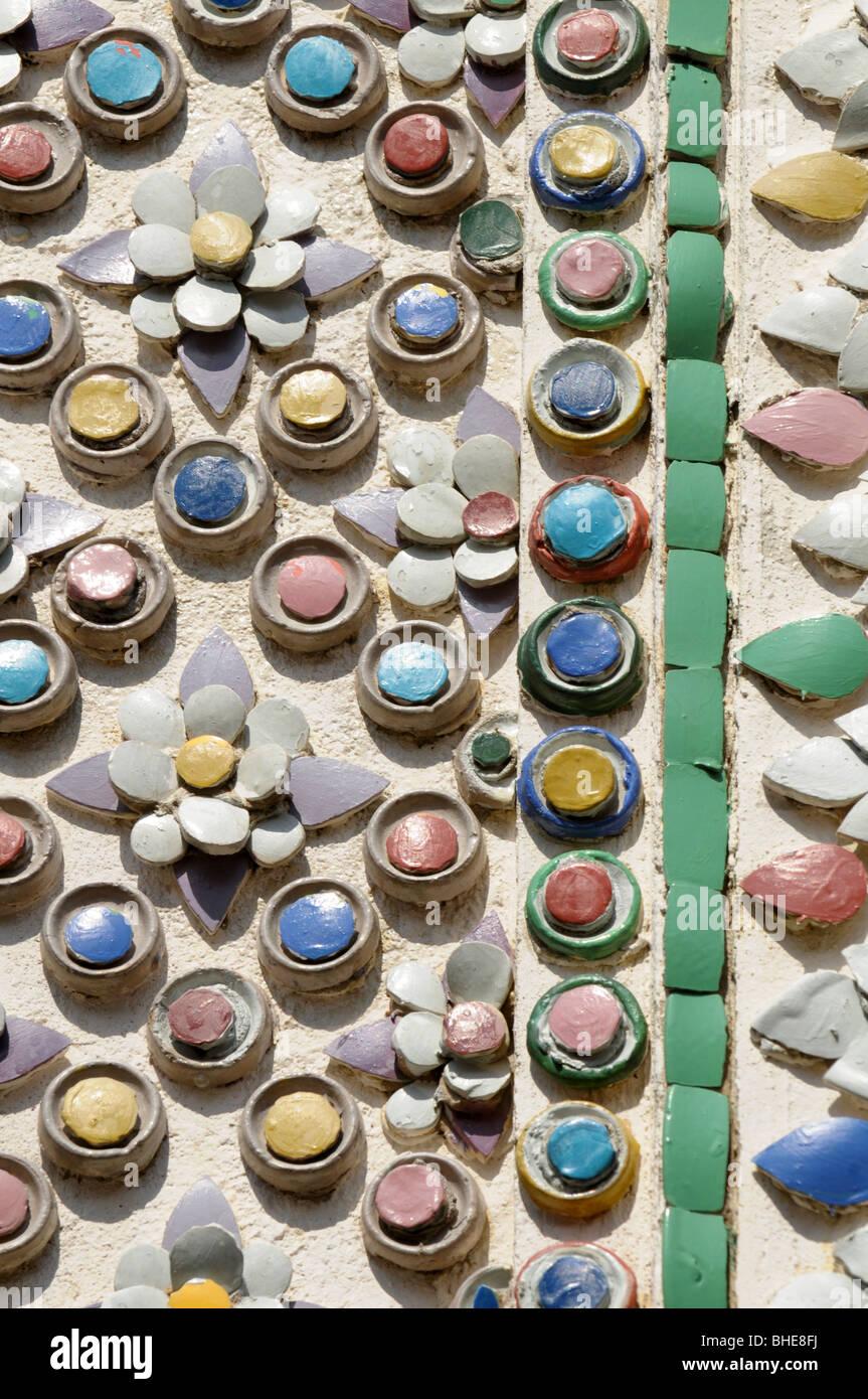 Detail of decorative wall pattern at Grand Palace Bangkok. - Stock Image