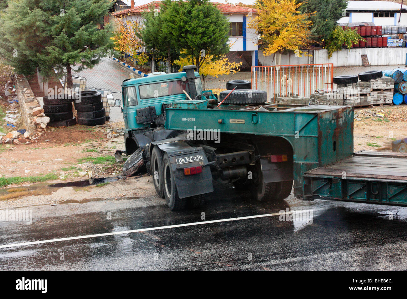 Traffic Accident Stock Photos & Traffic Accident Stock Images - Alamy