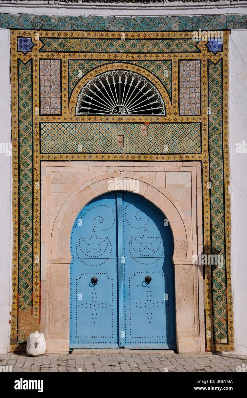 Entrance door to small mosque, Le Bardo District, Tunis, Tunis Governorate, Tunisia Stock Photo