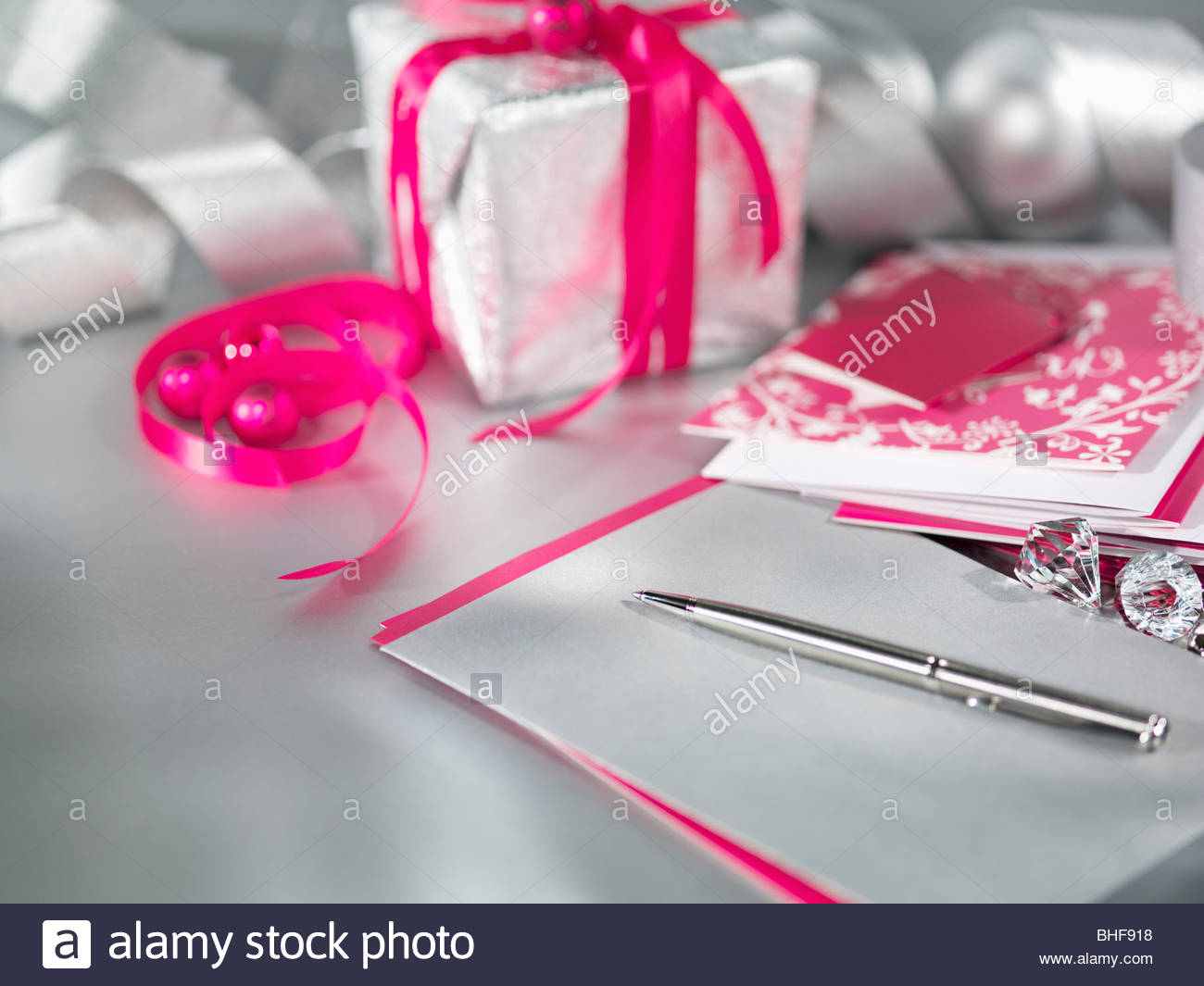 Christmas gifts with ribbon, pen and card Stock Photo: 27995892 - Alamy
