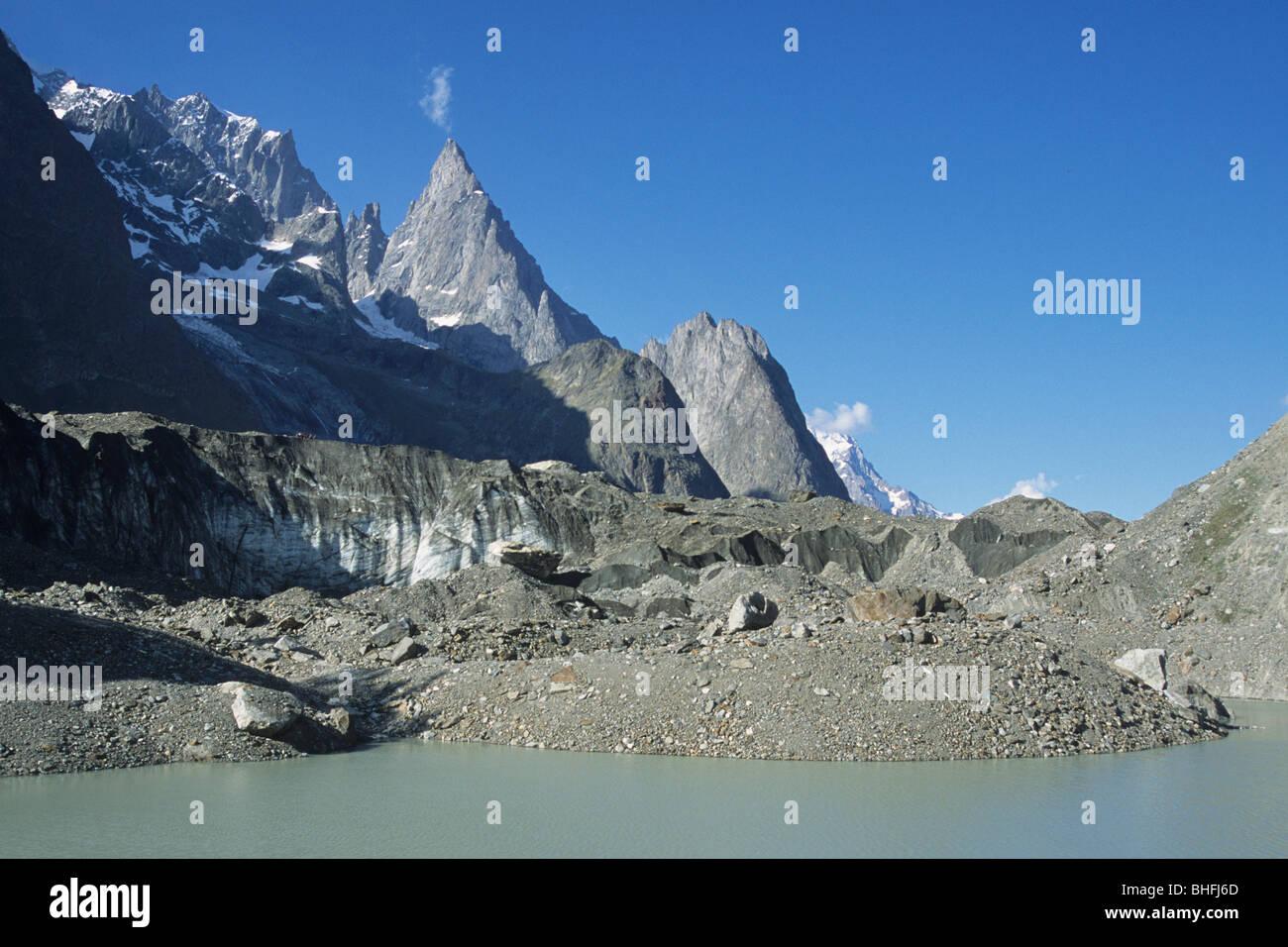 mont blanc (monte bianco), aiguille noire and aiguille blanche, miage lake and glacier, val veny, courmayeur, valle - Stock Image