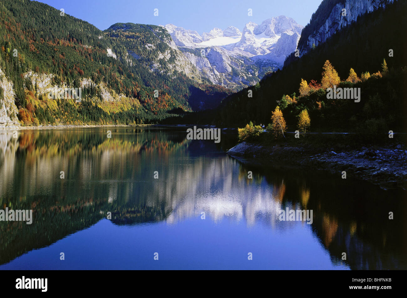 geography / travel, Austria, Upper Austria, landscapes, Lake Gosau, view towards Dachstein mountain range near Gosau, - Stock Image