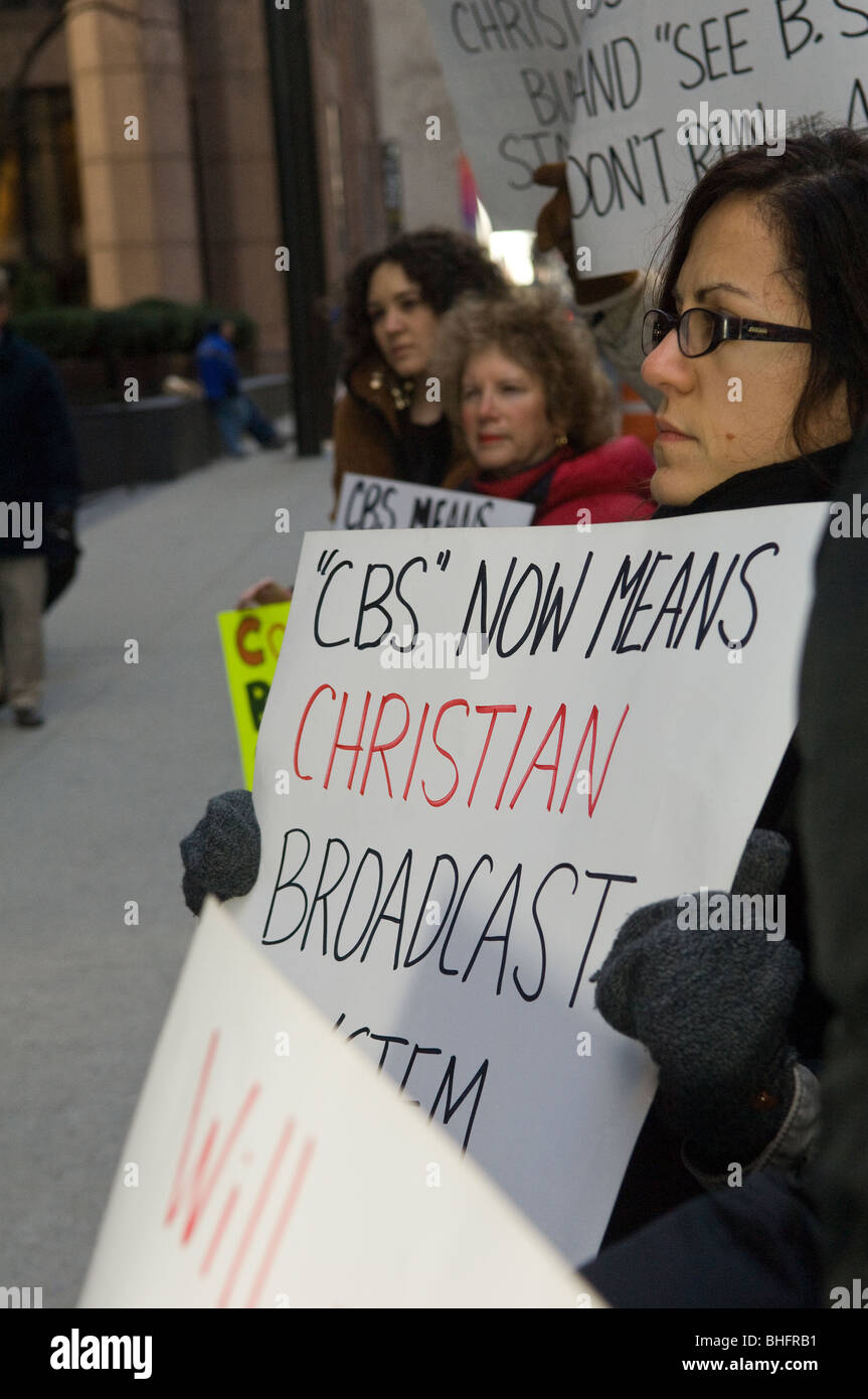 Women's groups protest in front of CBS headquarters in support of abortion and against pro-life commercial run - Stock Image