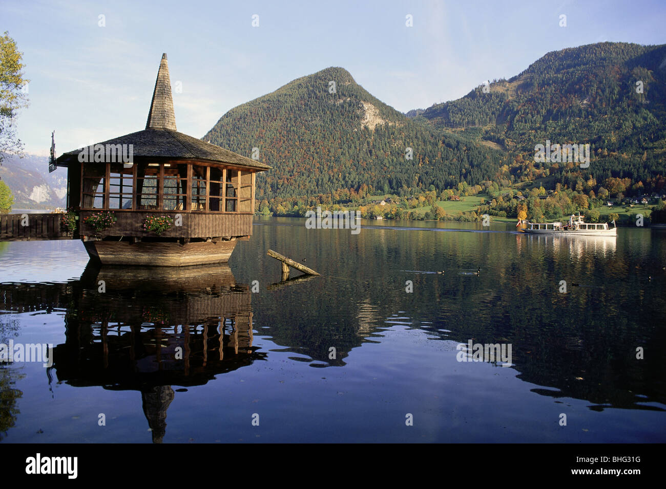 geography / travel, Austria, Styria, landscapes, view of the Grundlsee (Grundl Lake), water pavilion, Additional - Stock Image