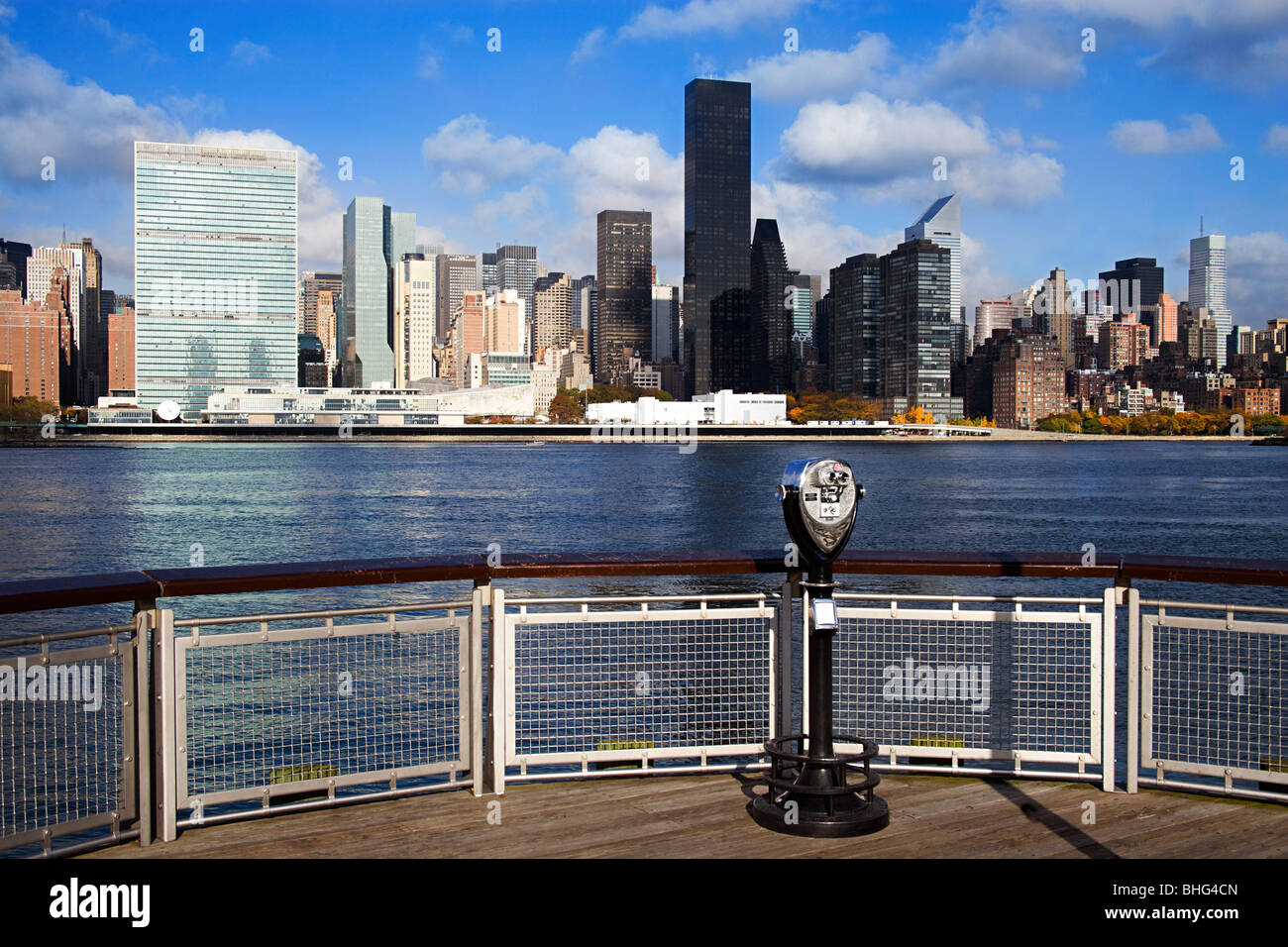 East river and manhattan skyscrapers Stock Photo