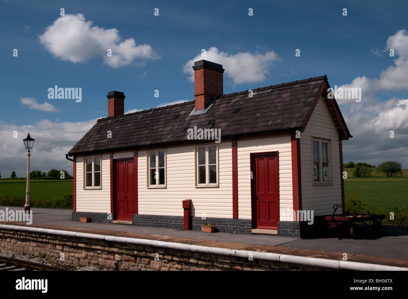 Platform and timber building at  Swanwick Junction Butterley   Midland Railway Center in Derbyshire, England - Stock Image