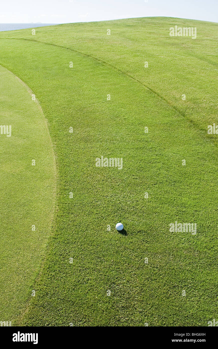 Golf ball on golf course - Stock Image