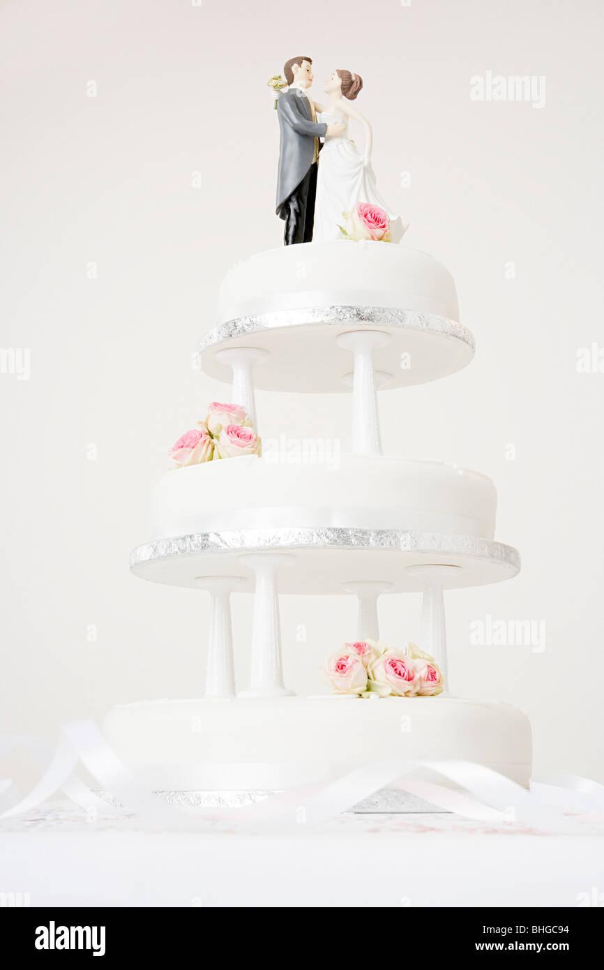 Wedding Cake Figure Stock Photos & Wedding Cake Figure Stock Images ...