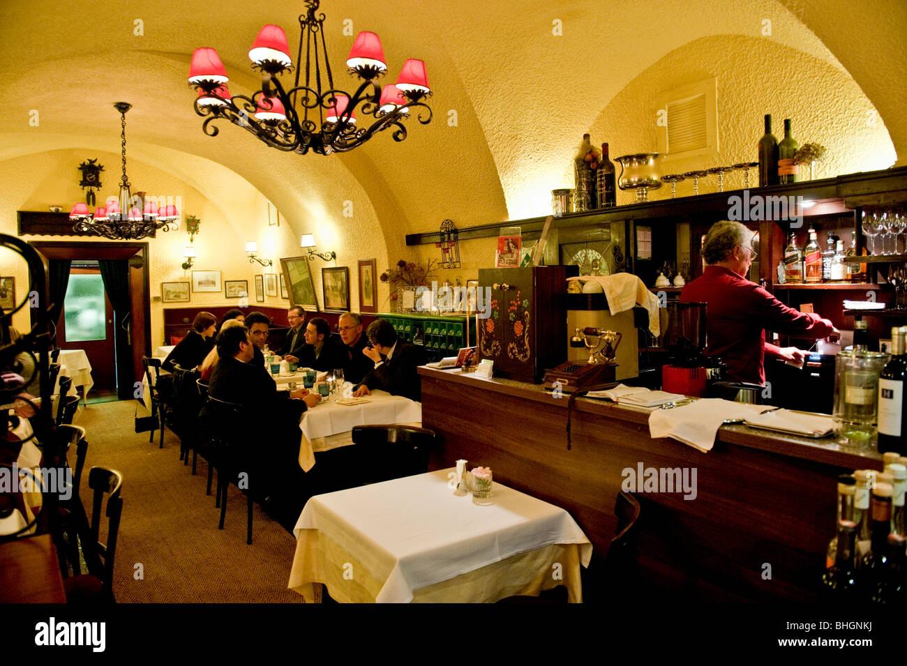 Interior from the Kuckuck restaurant in central Vienna Austria - Stock Image