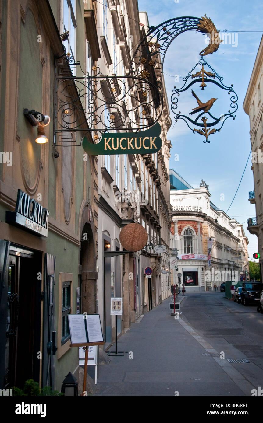 Street in Vienna outside the Kuckuck restaurant - Stock Image