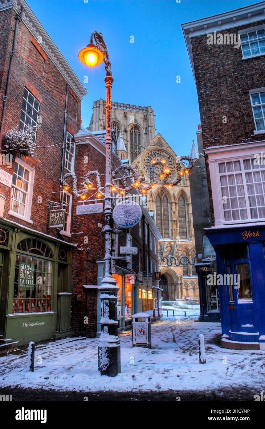 York Minster at Christmas, Petergate Street - Stock Image