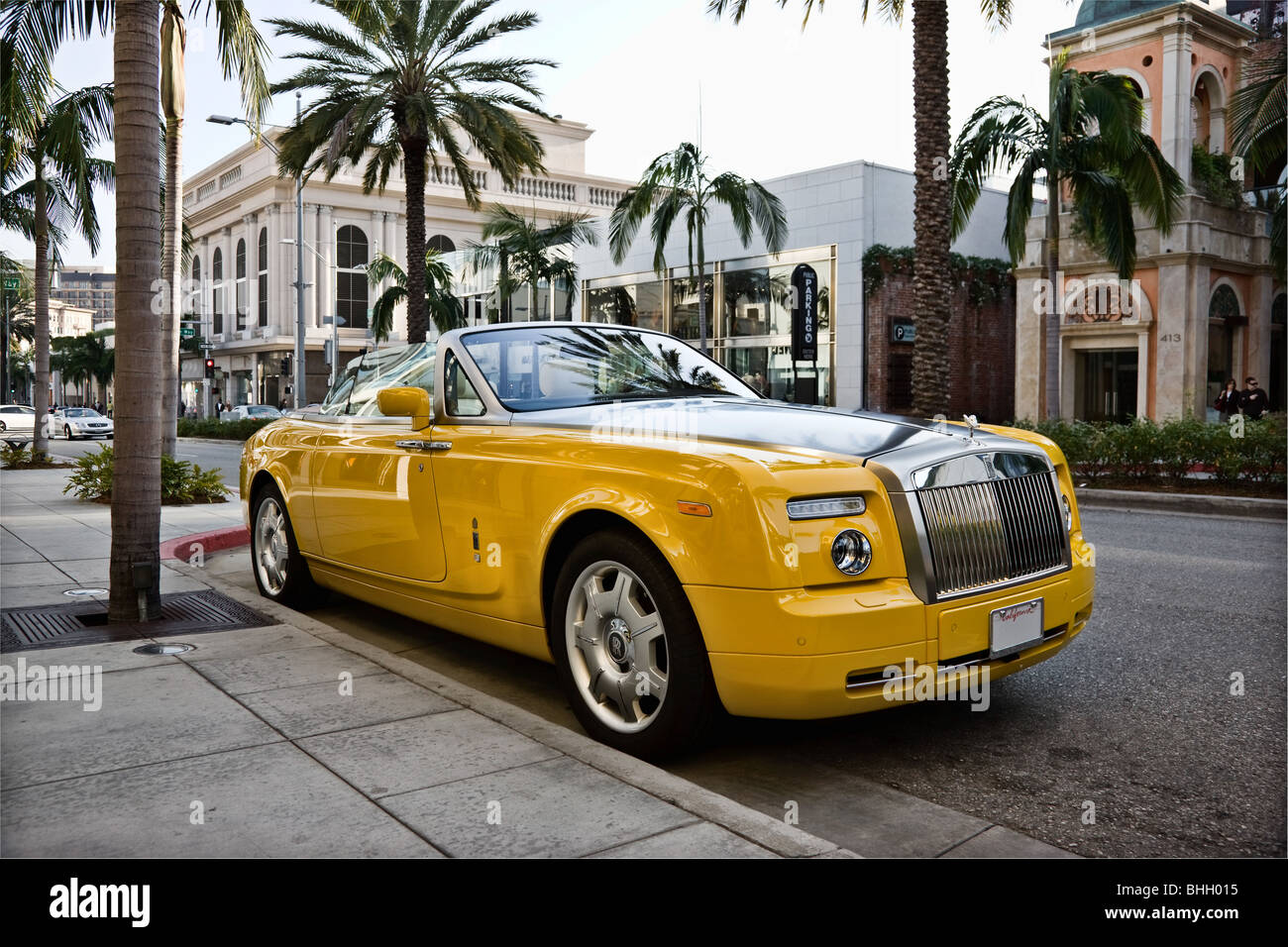 Banana Yellow Rolls Royce Convertible Stock Photo 28032737 Alamy