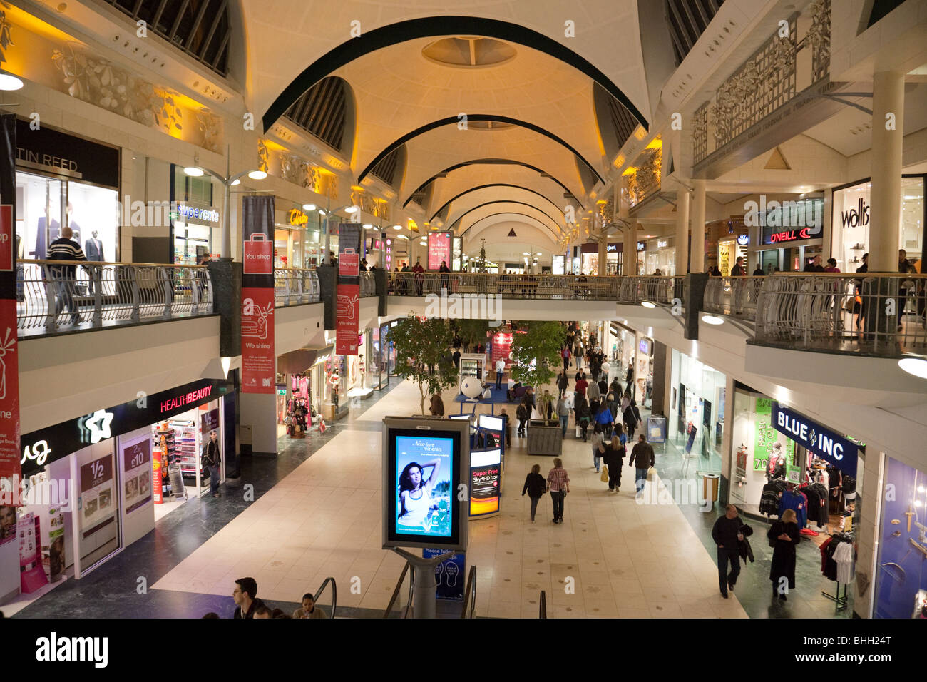 3d328fc9a1d Bluewater Shopping Centre Kent Stock Photos   Bluewater Shopping ...