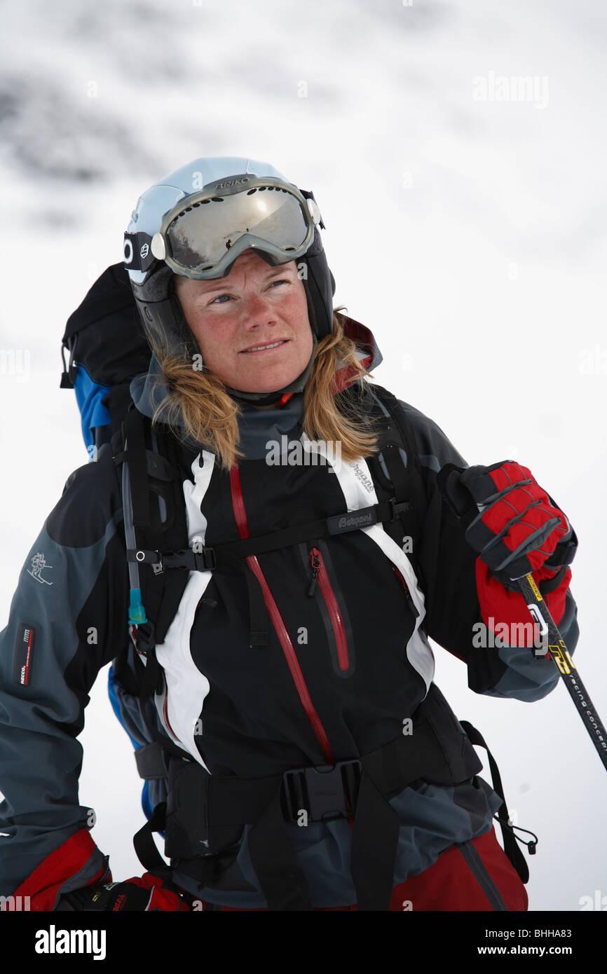 A female skier, Abisko, Lapland, Sweden. - Stock Image