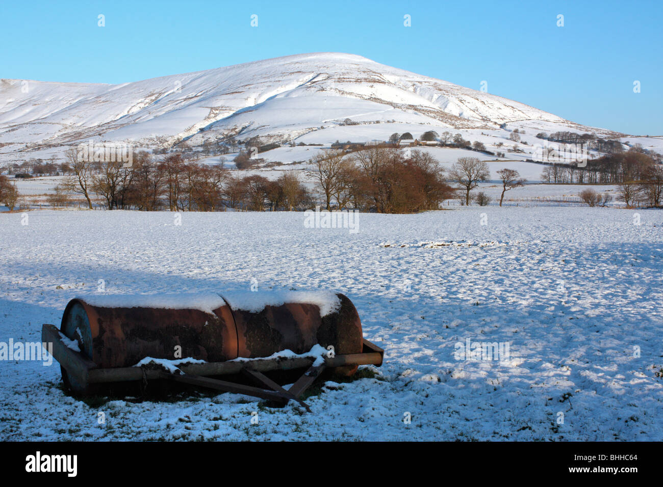 Parlick in snow in Forest of Bowland AONB - Stock Image