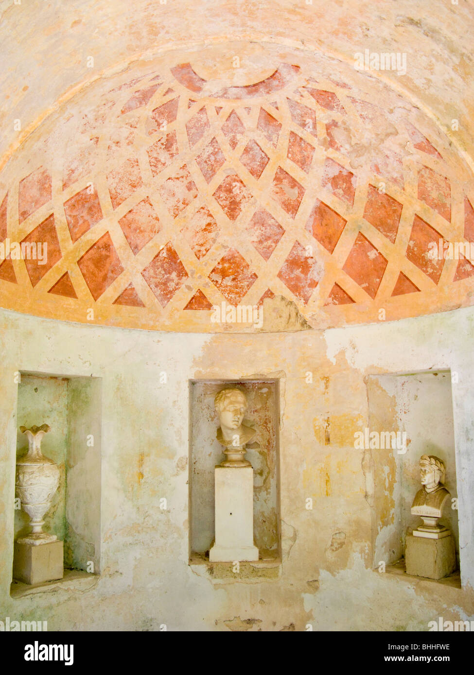 Domed summerhouse with statues in niches - Stock Image