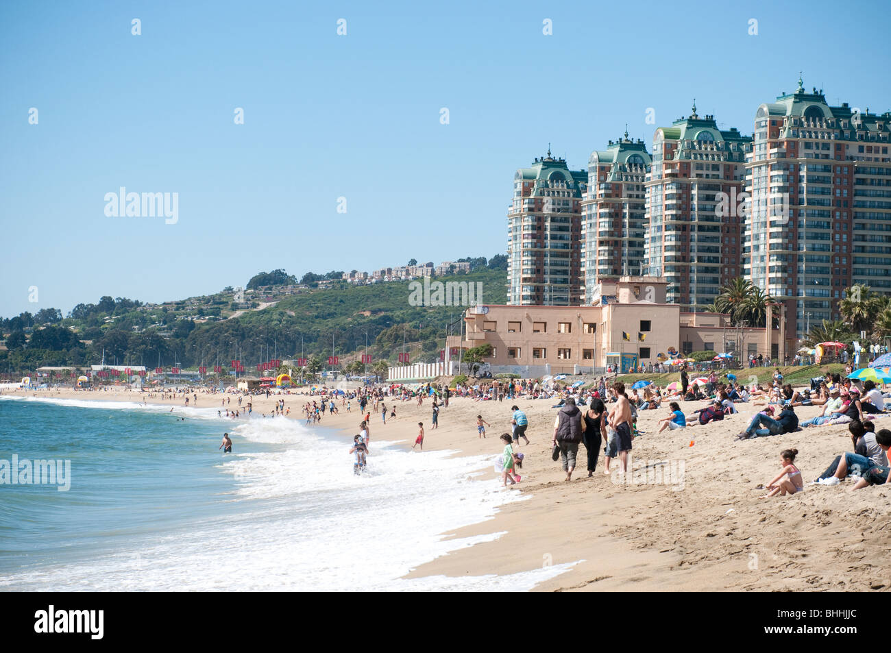 The beach front of Vina del Mar, Chile near Valparaiso - Stock Image
