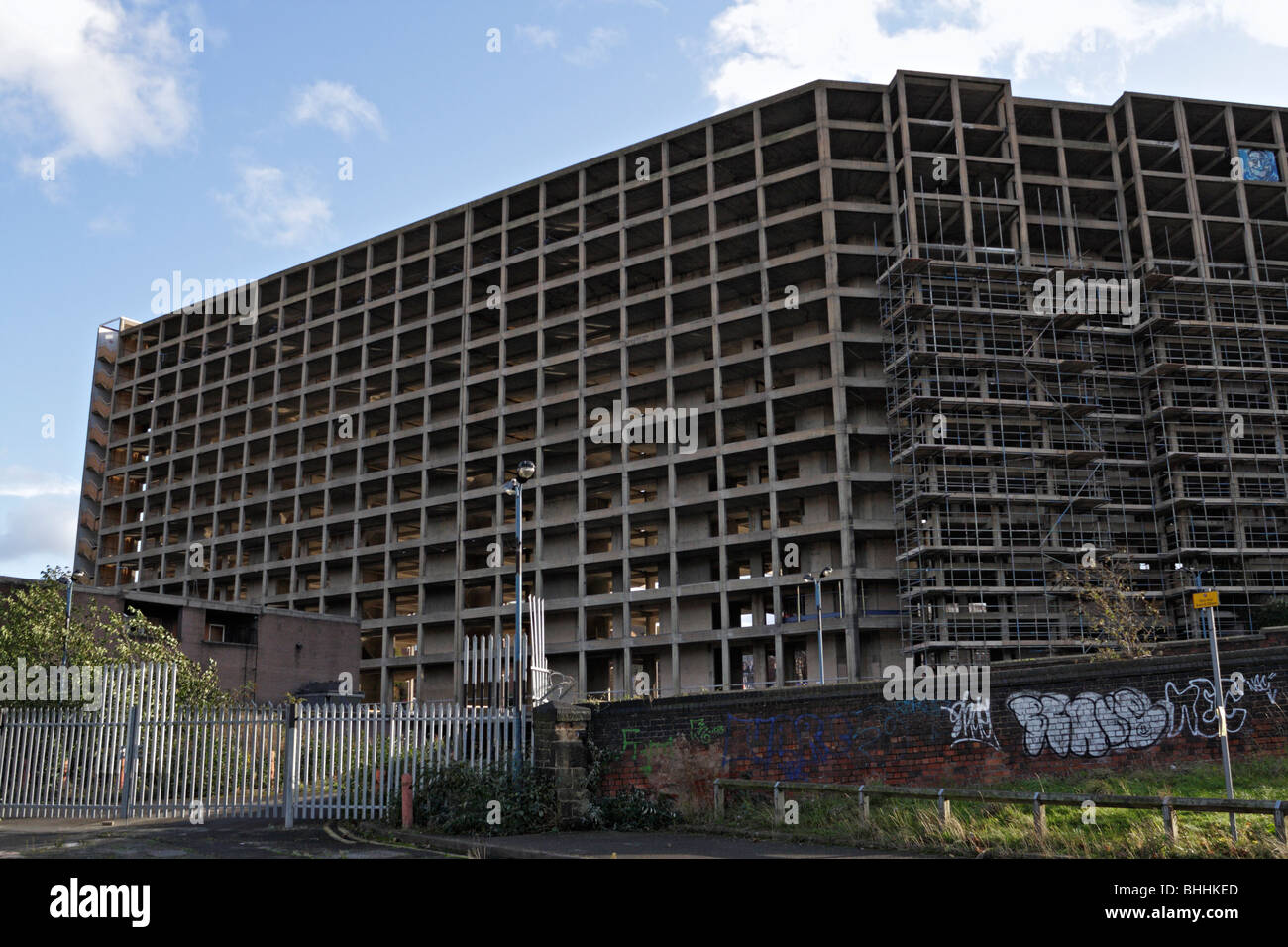 The Concrete Shell of Park Hill flats listed by English Heritage in Sheffield - Stock Image