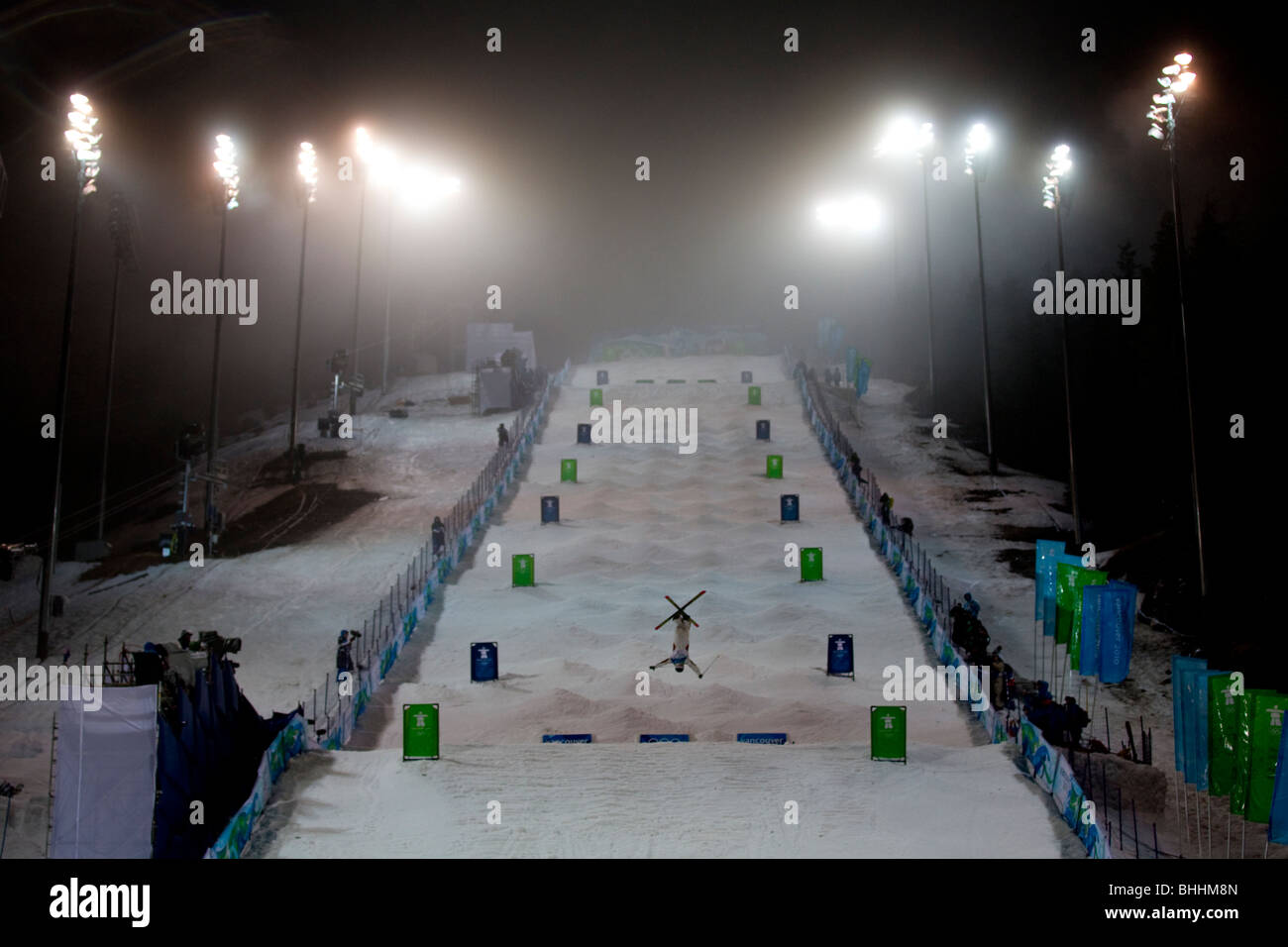 Competitor in the freestyle skiing moguls at the Cypress Mountain venue at the 2010 Olympic Winter Games - Stock Image