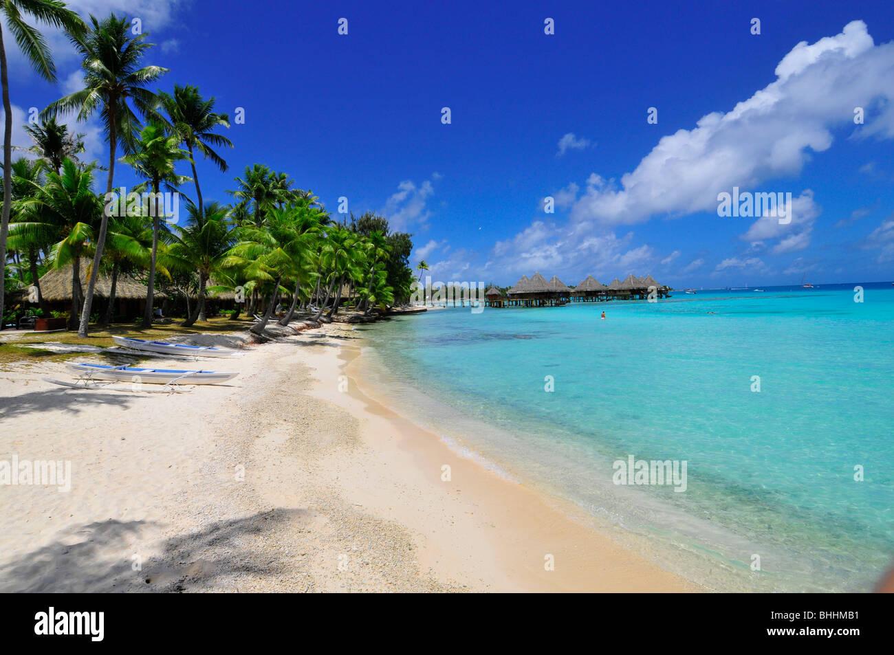 Overwater bungalows in Rangiroa, French Polynesia - Stock Image