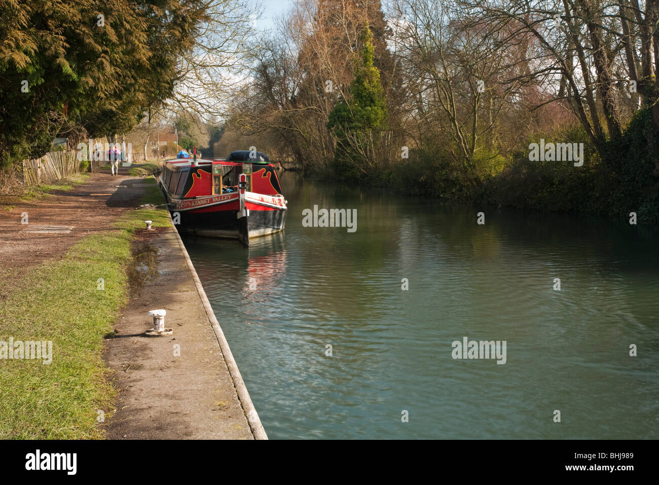 Barge moored on The Kennet and Avon Canal at Kintbury, Berkshire, Uk - Stock Image