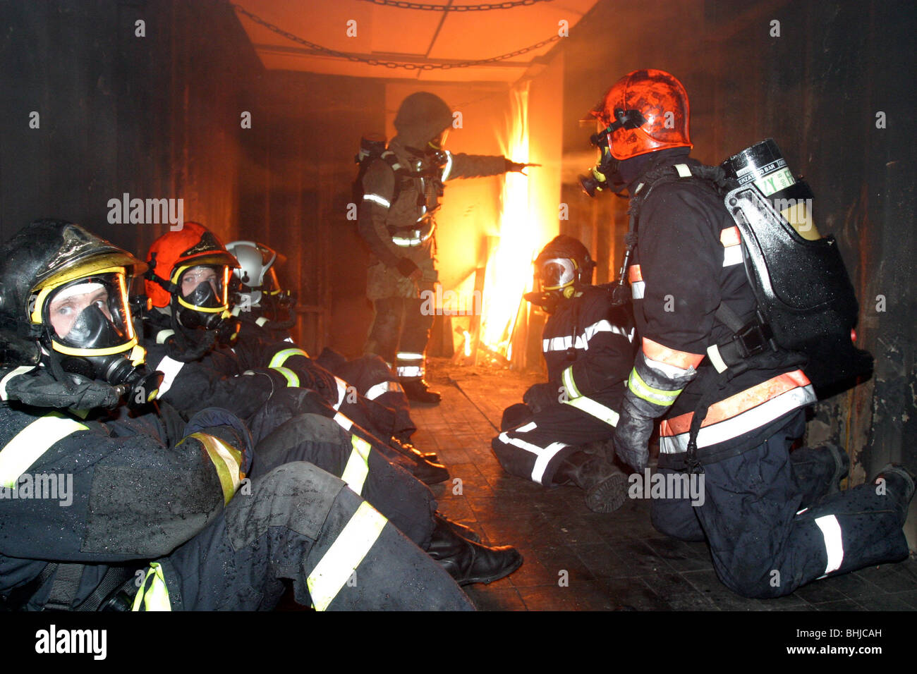 FLASH OVER IN A CONTAINER, DEPARTMENTAL FIREFIGHTERS SCHOOL OF THE ESSONNE (91), FRANCE Stock Photo