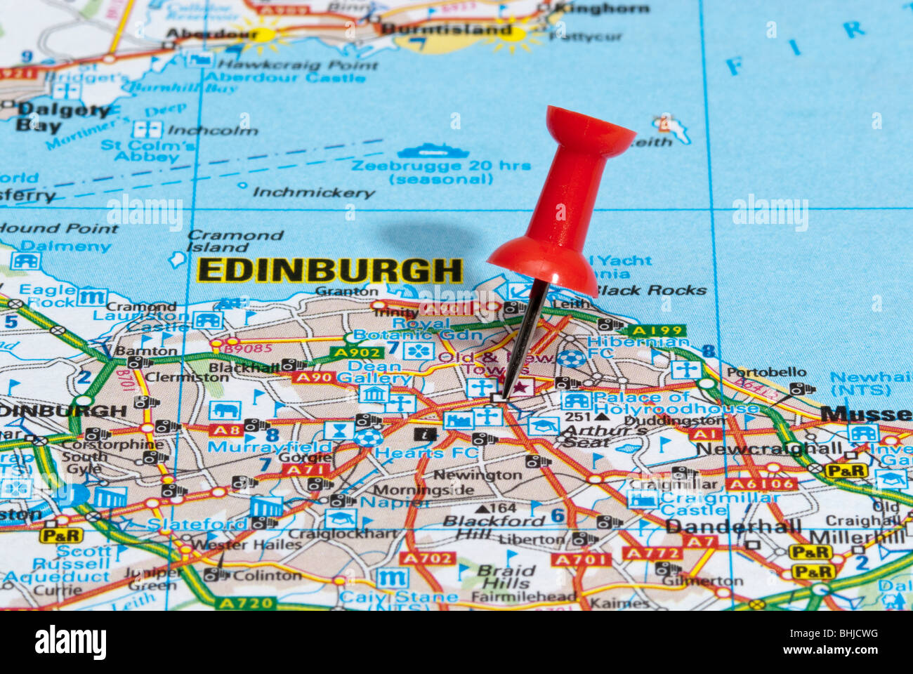 red map pin in road map pointing to city of Edinburgh Stock Photo ...