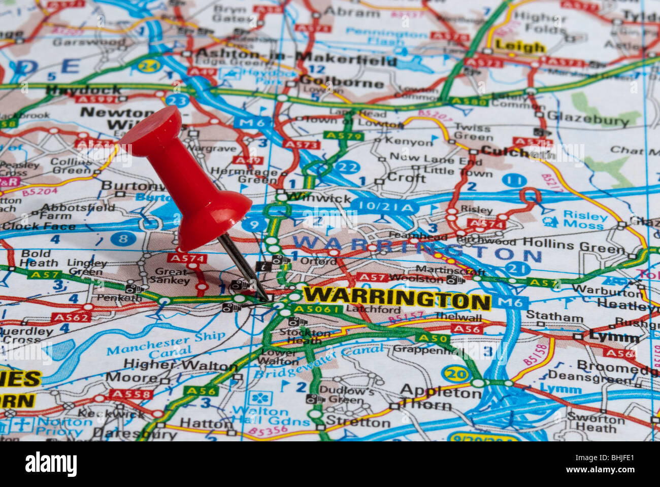 red map pin in road map pointing to city of Warrington Stock Photo ...