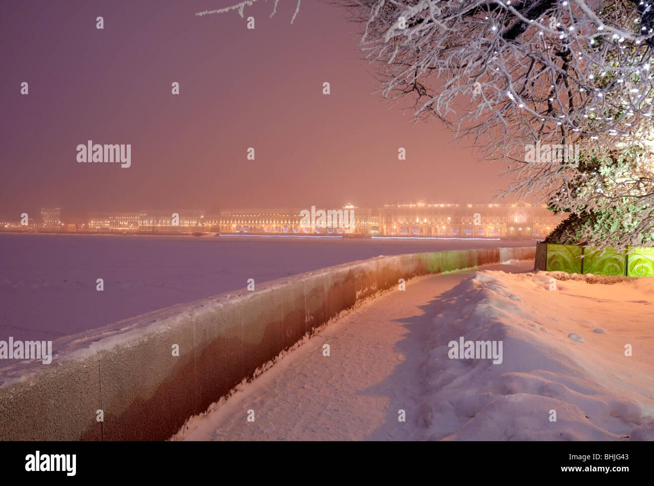 New Year illumination at the Spit of Vasilyevsky Island and Neva river Embankment. - Stock Image