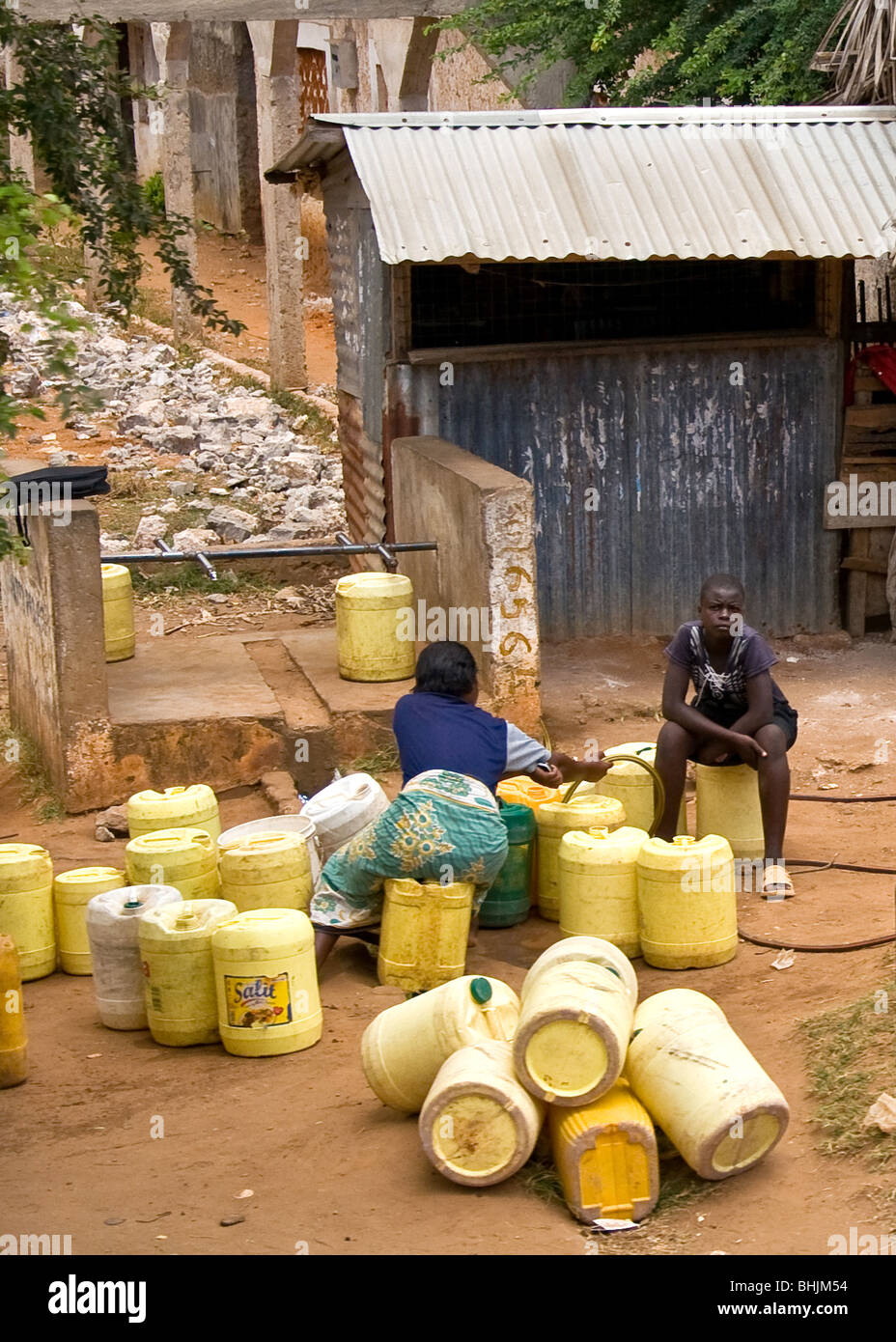 Collecting Water, Mombasa, Kenya, Africa - Stock Image