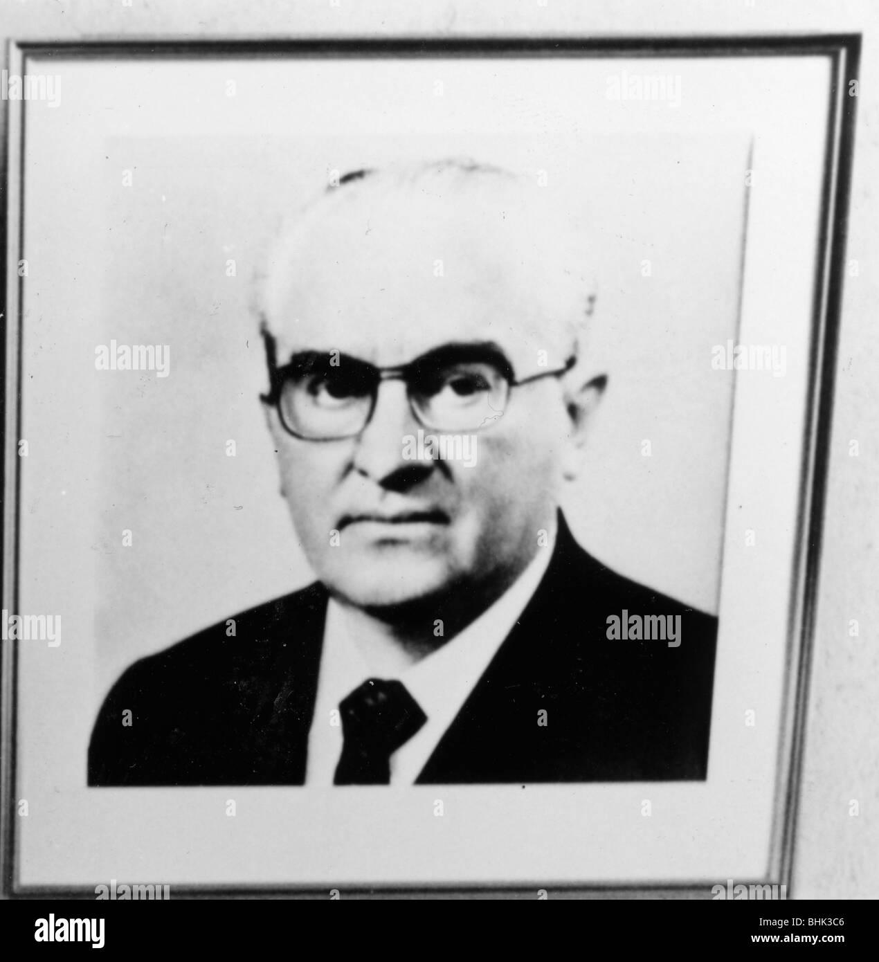 Yuri Andropov (1914-1984), Soviet Premier. Artist: Sidney Harris - Stock Image