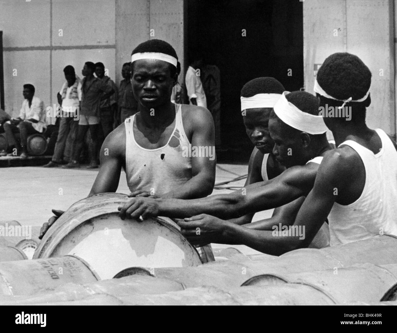 geography / travel, Congo, events, Simba uprising 1964 - 1965, supply of petrol for the mercenaries, Stanleyville, - Stock Image